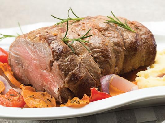 Roast beef con puré de papa y salsa gravy