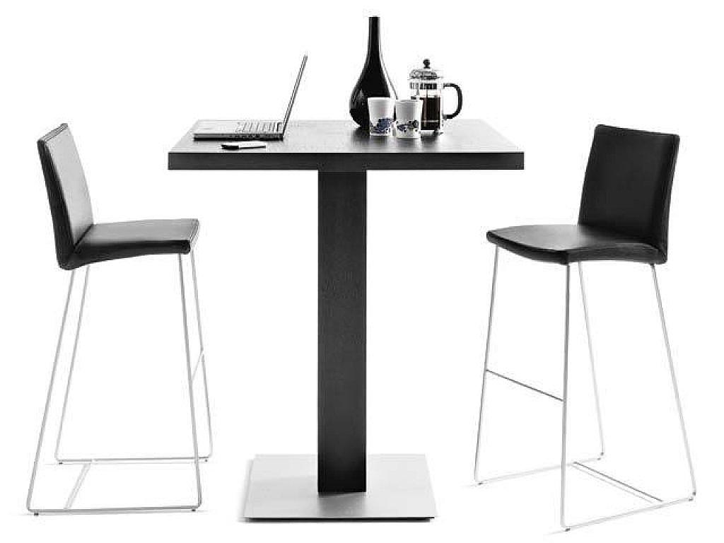 Mesas y taburetes: estilo y confort