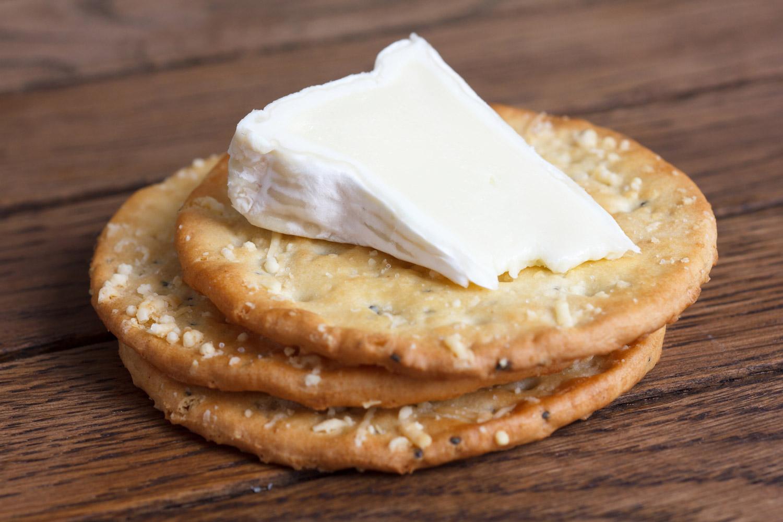 Crackers de queso parmesano y queso azul