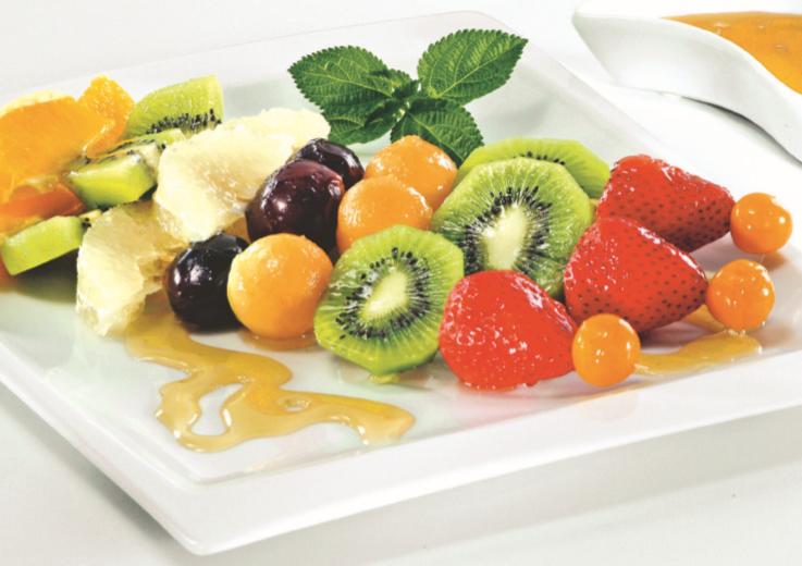 Brochetas  de frutas  con uvillas