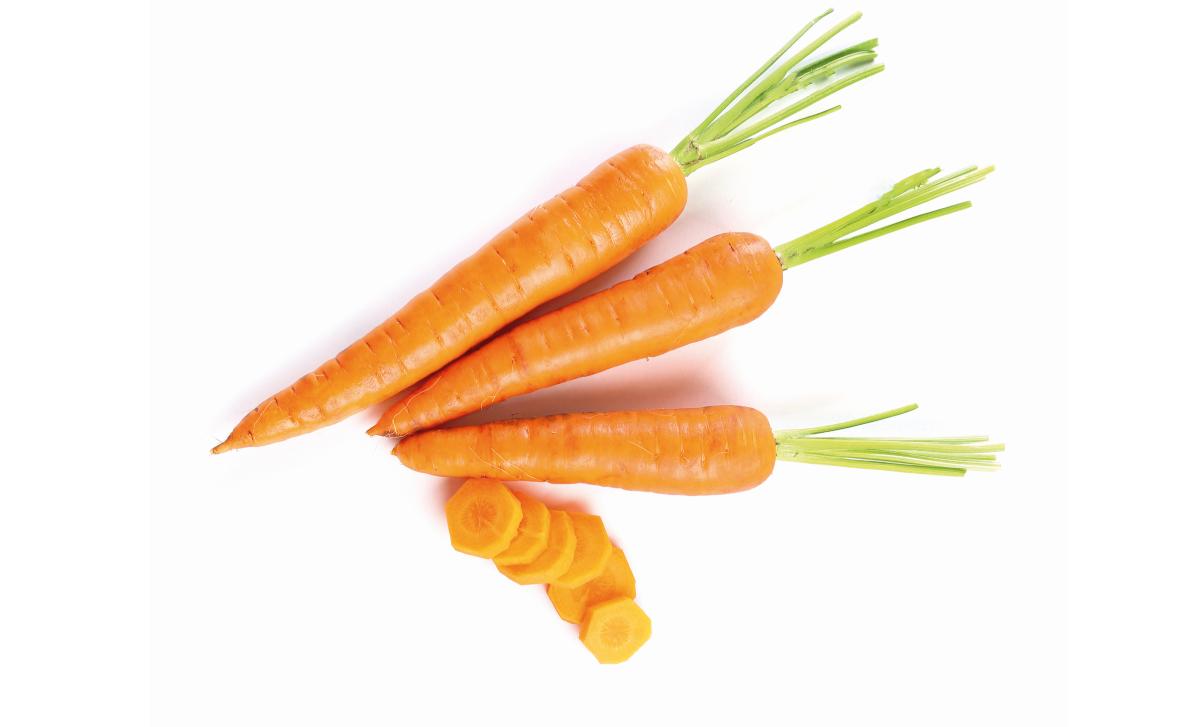 Zanahoria Llena De Beneficios Revista Maxi Online El jugo de zanahoria es una deliciosa y nutritiva bebida. waffle sandwich y chips de zanahoria