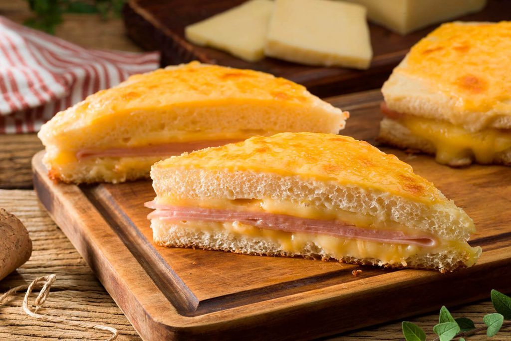 Croque Monsieur con queso Mountyer