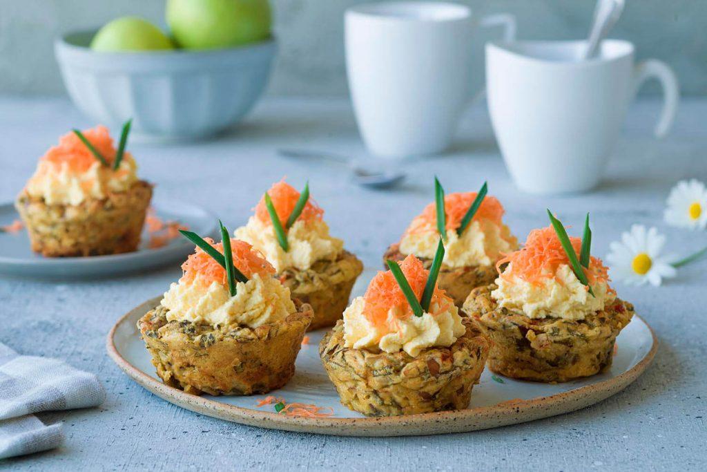 Muffins de espinacas con crema de zanahoria