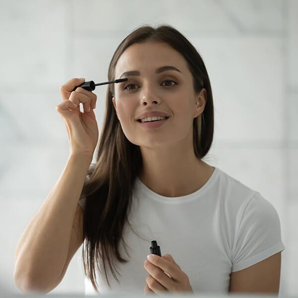cuidado-maquillaje-los-mandamientos-de-una-piel-sensible