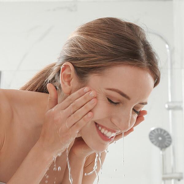 lave-su-rostro-los-mandamientos-de-una-piel-sensible