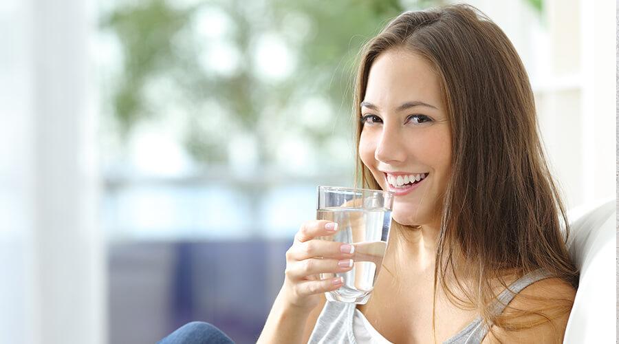 tambien-es-importante-beber-agua-nutricion-balanceada-y-utero-saludable